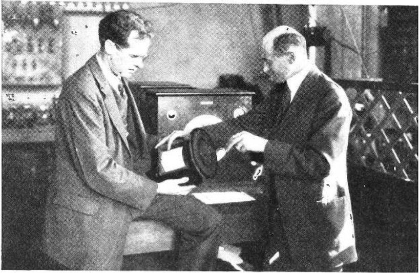 Edward_Kellogg_&_Chester_Rice_with_cone_speaker_1925